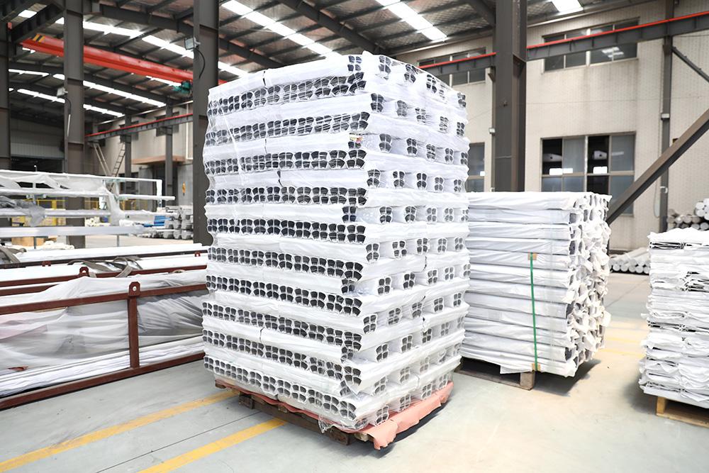 Aluminum warehouse1