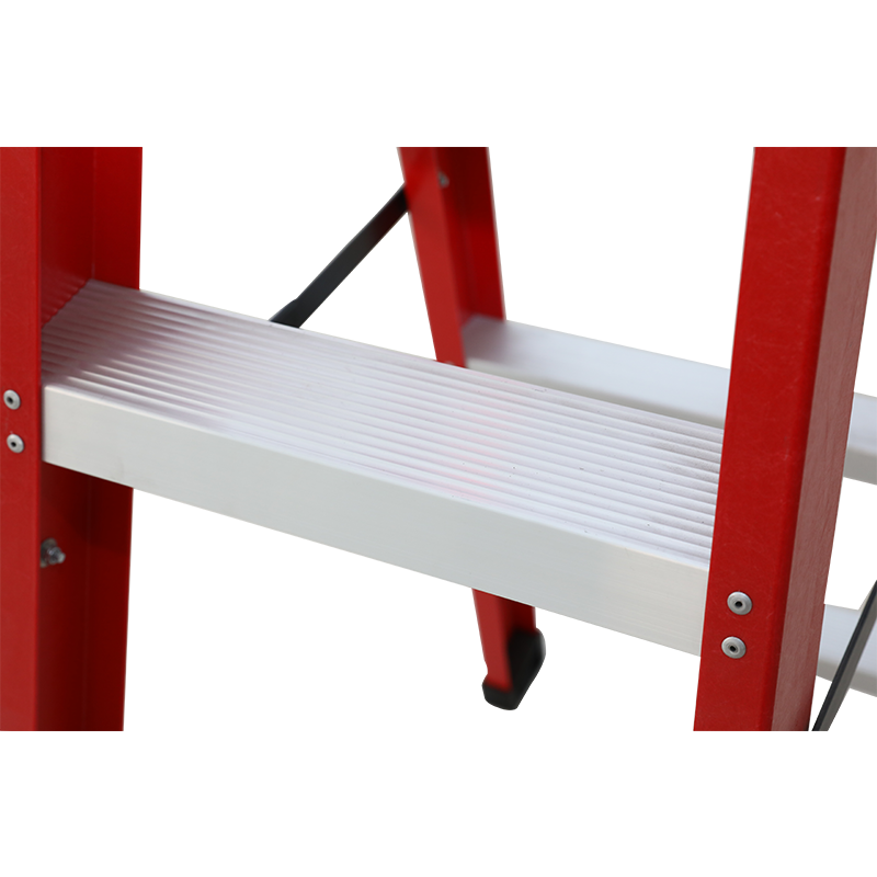 What are the advantages of fiberglass insulated ladders compared to ordinary ladders? (2)
