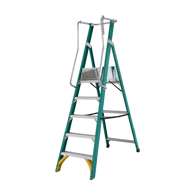 How to use the folding ladder to make the best use of it?
